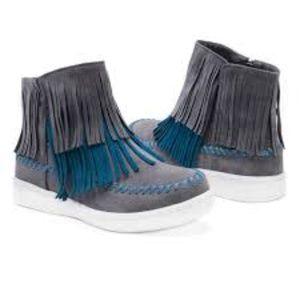 Muk Luk Linda Gray and Blue Fringe Boots